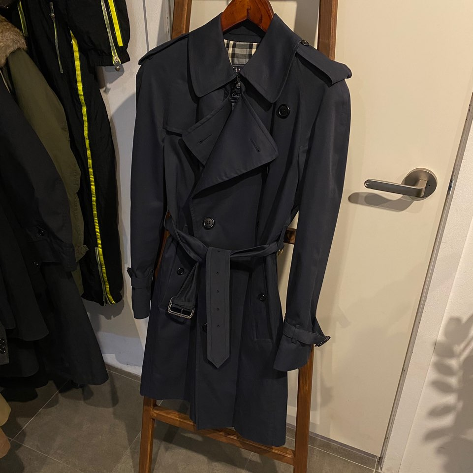 Burberry navy double trench coat S