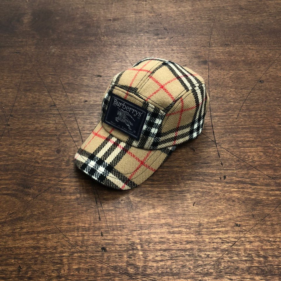 Burberry nova check remake cap  from coat lining