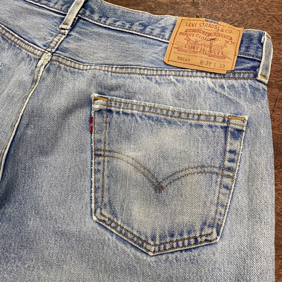 Levis 90's 501xx jeans 38x33 Made in USA